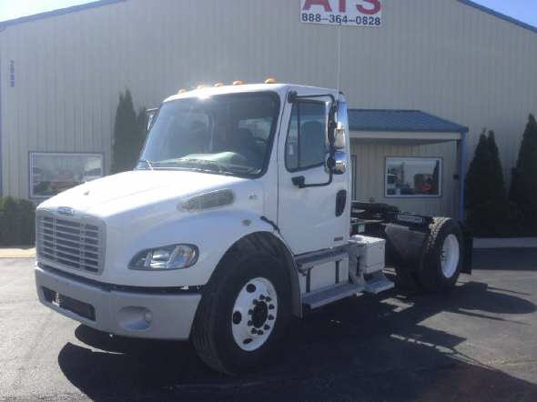2006 Tractor Truck W/o Sleeper Freightliner M2